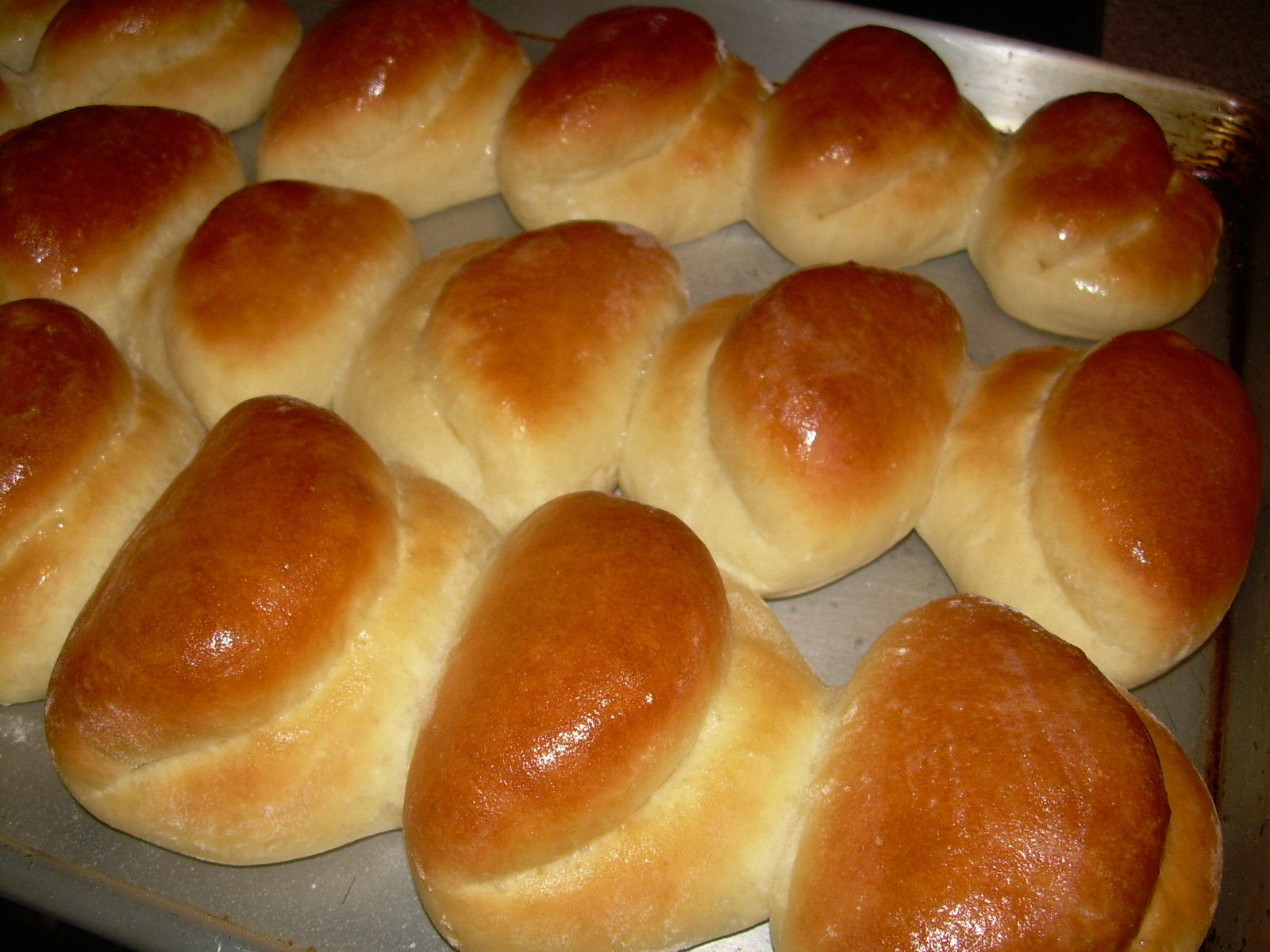 Parker House Rolls, www.greatmericanthings.net | Great American Things